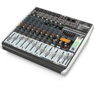 12 ערוצים עם קומפרסור ב-4 ערוצי מיקרופון, מולטי אפקט, EQ גרפי וחיבור למחשב להשמעה/הקלטה