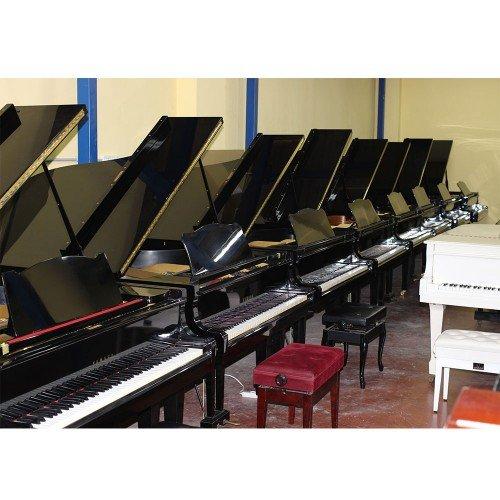 """פסנתרים החל מ-4900 ש""""ח"""